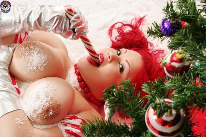 Model: April Flores Copyright: Blueblood.com